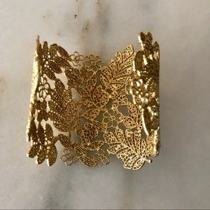 "NIB Gold lace filigree 3"" cuff bracelet Stella/Dot"